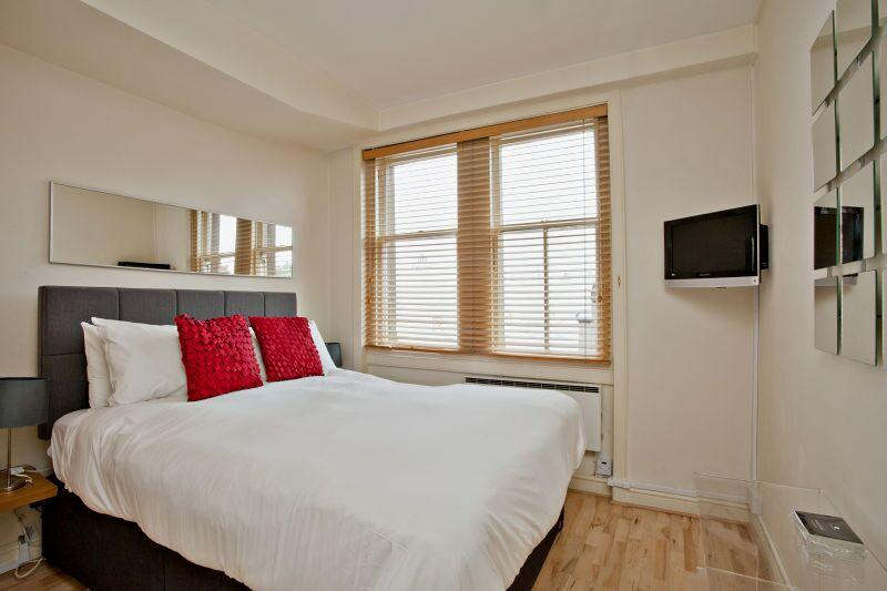 Chiltern Street Premium One Bedroom Apartment - Bedroom