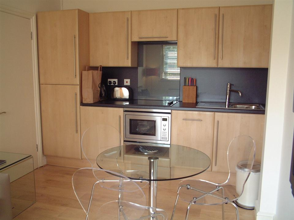 Chiltern Street Two Bedroom Apartment - Kitchen