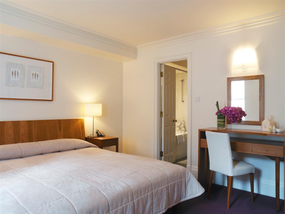 Metropolitan - Master Bedroom