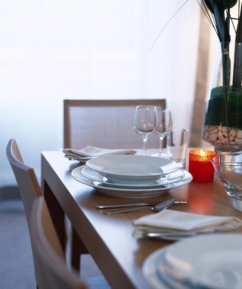 Metropolitan - Dining Room
