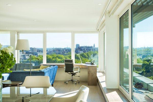 Metropolitan - Living Area