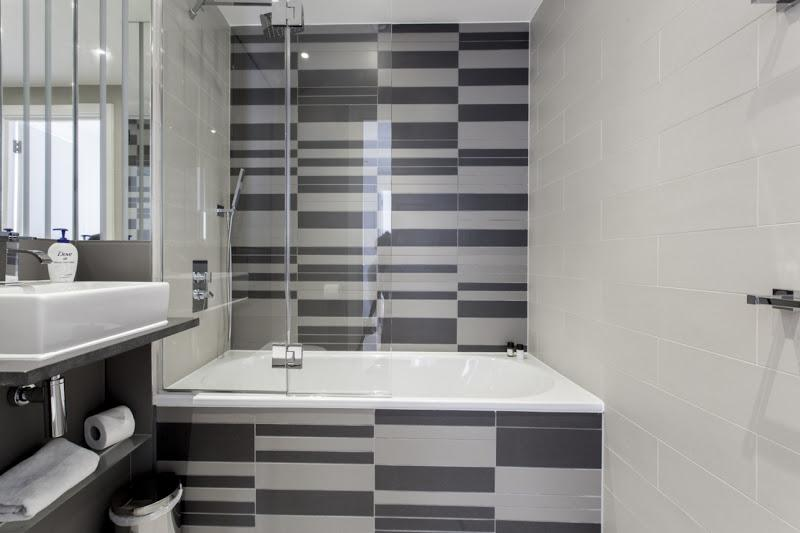 Avant Garde - Bathroom