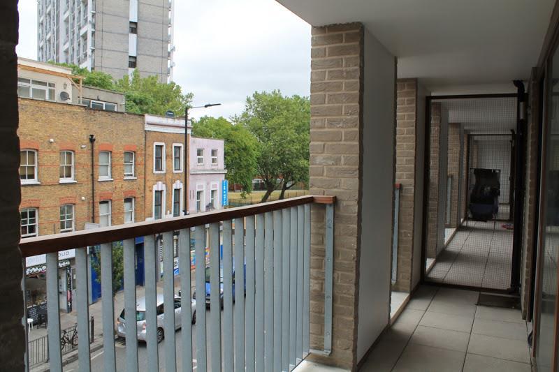 Shoreditch Square - Balcony