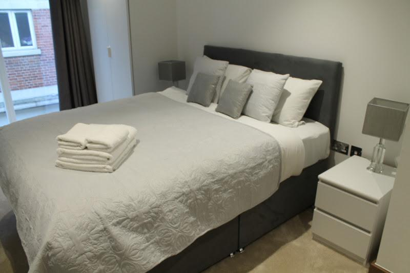 Shoreditch Square - Bedroom