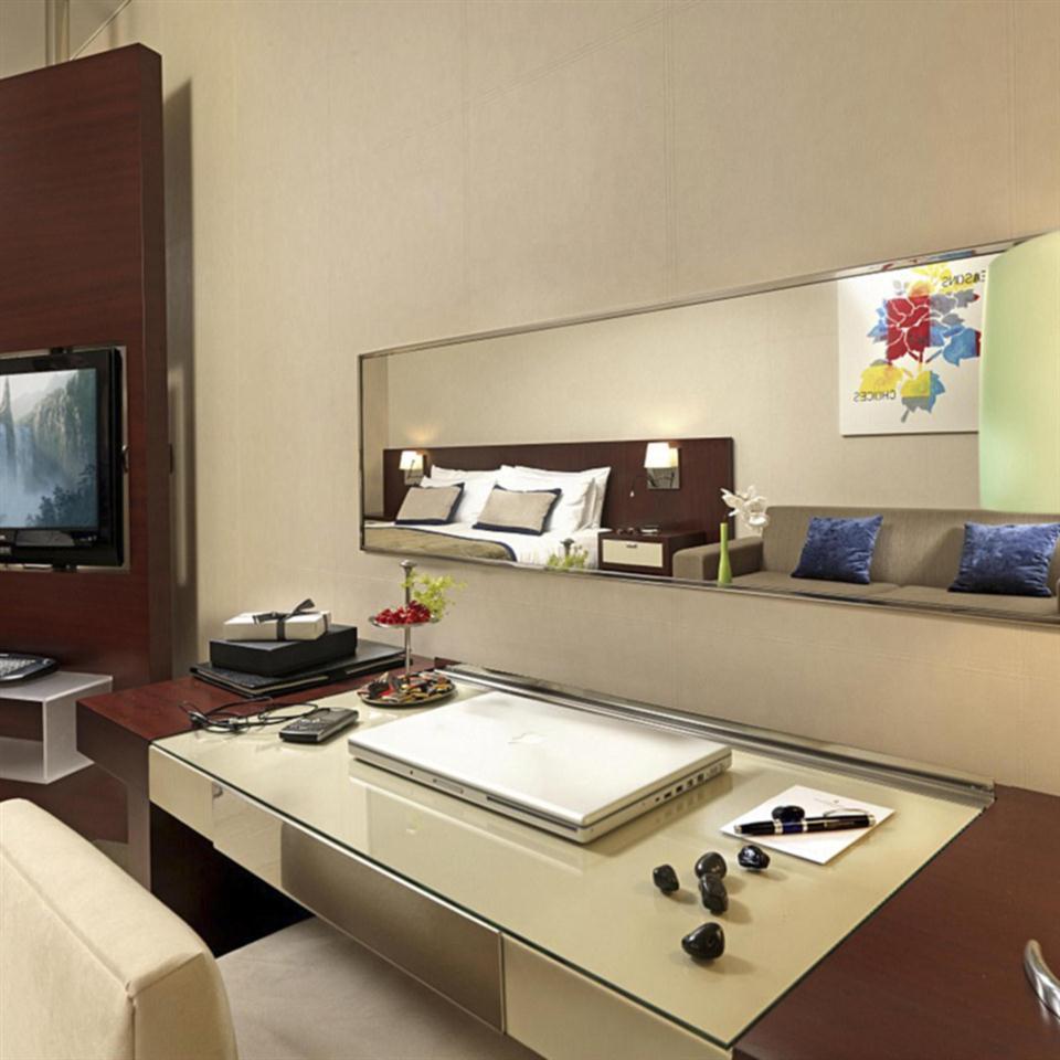 Intercontinental Athens-Classic Room.jpg