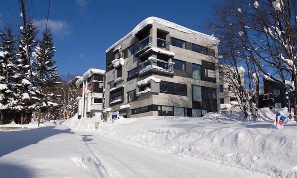 Shikaku Apartments