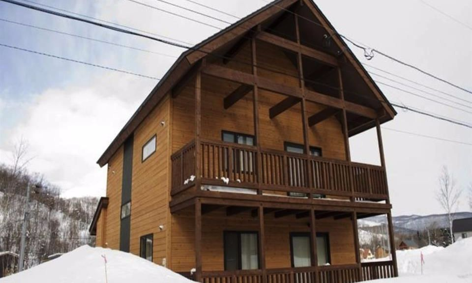 Niseko Accommodation Chalet at country resort 2
