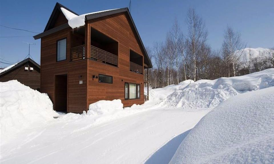 Niseko Accommodation Chalet at country resort 11