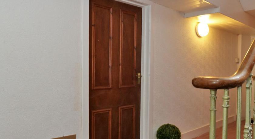 Holburn Street Apartments - Corridor