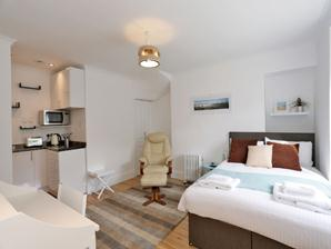 Holburn Street Apartments - Studio Apartment