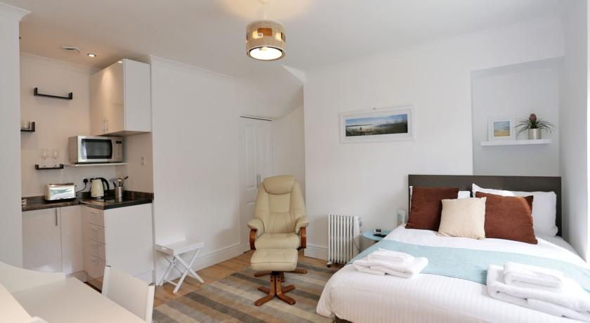 Holburn Street Apartments - Studio Apartment