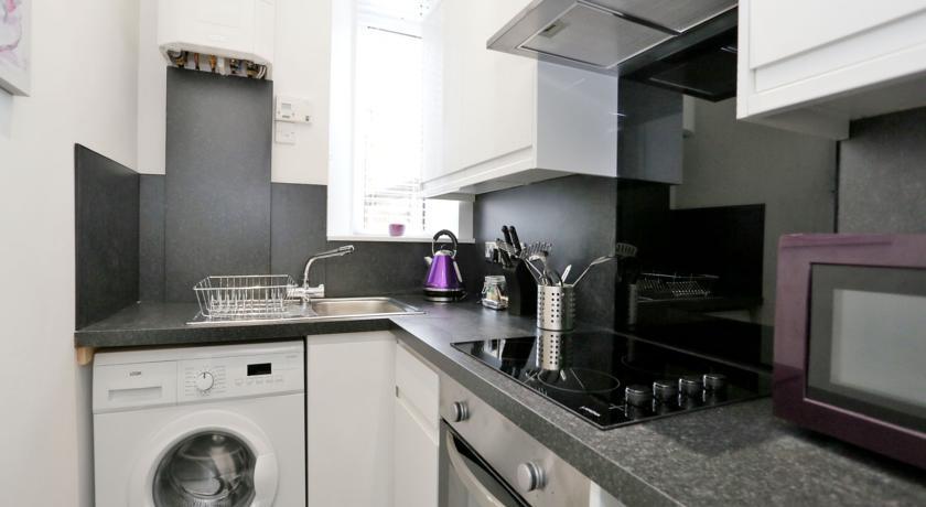 The Grove Apartments - Kitchen