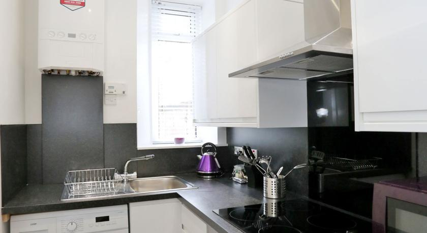 The Grove Apartments - Kitchen