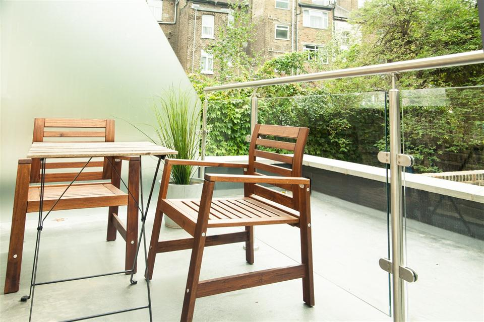 Brook Green Apartments - Balcony