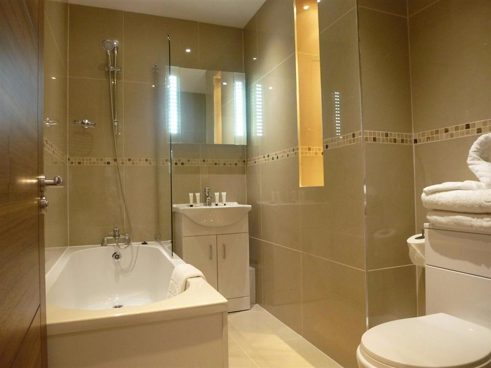 Brook Green Apartments - Bathroom