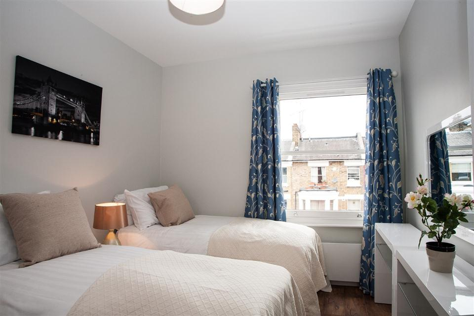 Brook Green Apartments - Bedroom
