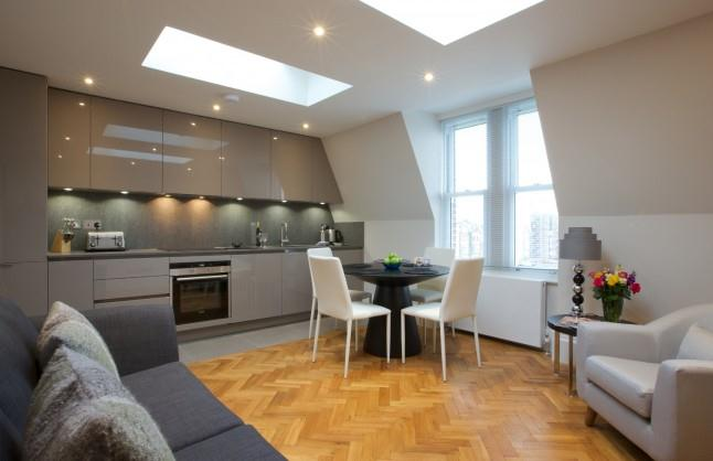 Barons Court Apartments - Living and Dining Area