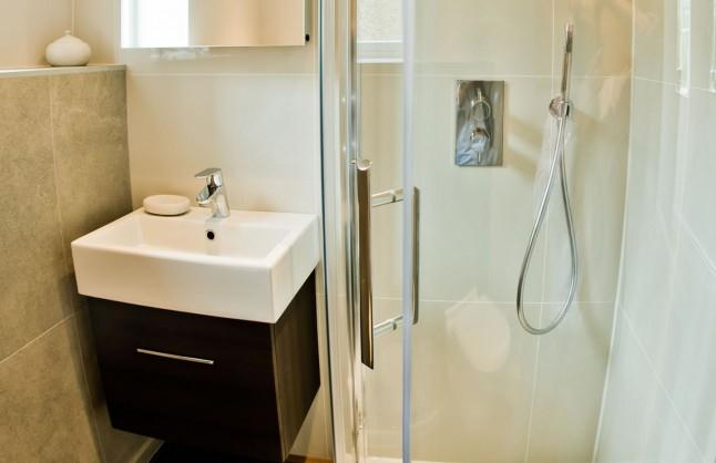 Ealing Apartments - Bathroom