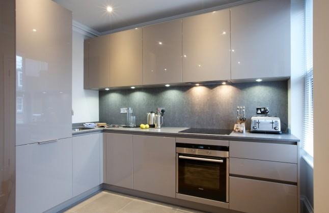 Earls Court Apartments Ongar Road - Kitchen