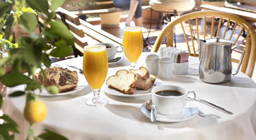 Adrian Hotel - Breakfast.jpg