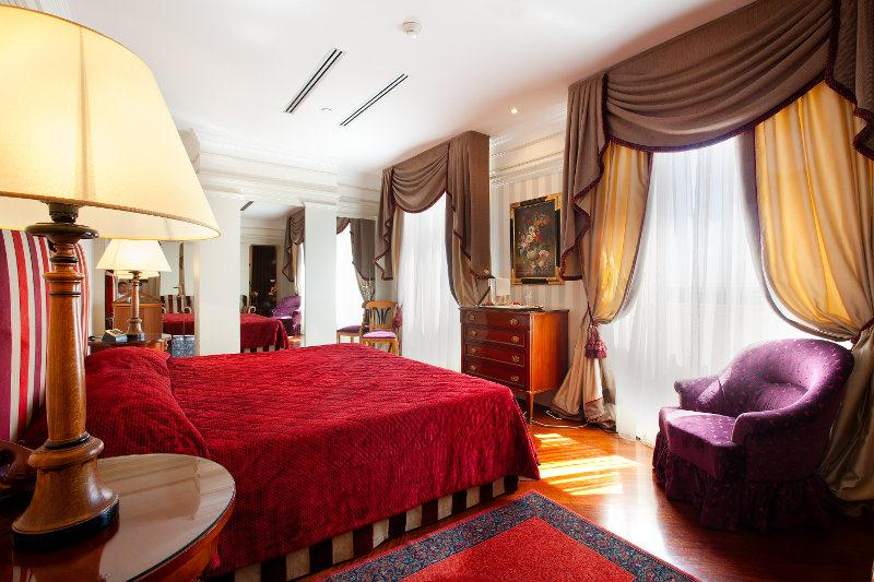 Bettoja Hotel Mediterraneo - Classic Room.jpg