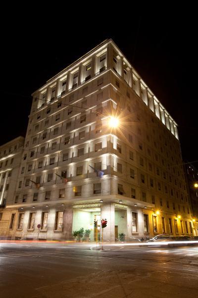 Bettoja Hotel Mediterraneo - Facade.jpg