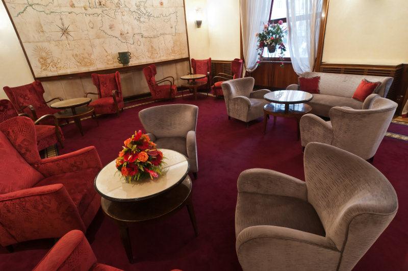 Bettoja Hotel Mediterraneo - Lobby.jpg