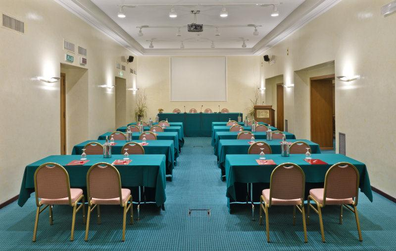 Bettoja Hotel Mediterraneo - Meeting Room.jpg