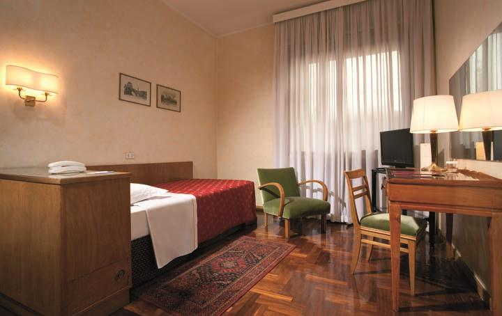 Bettoja Hotel Mediterraneo - Single Room.jpg