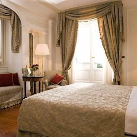Bettoja Hotel Mediterraneo - Suite.jpg