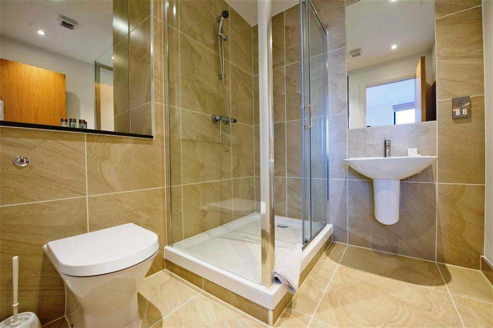 London Bridge Apartments - Bathroom