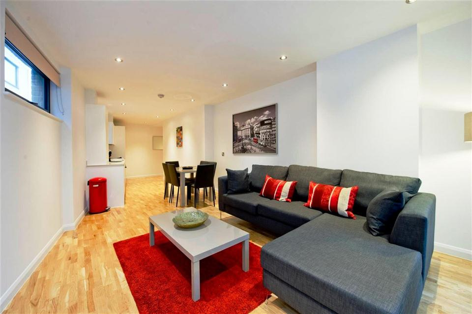 Flying Butler London Bridge Tooley Street Apartments