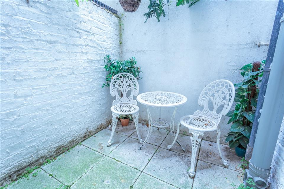 Castletown House - Lower Ground Floor Apartment Patio