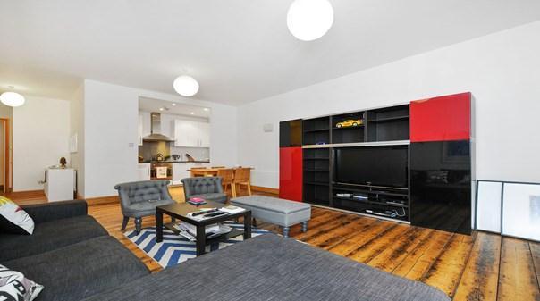 Still Life Global Farringdon Deluxe - Living Room