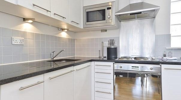 Liverpool Street Deluxe Apartments - Kitchen