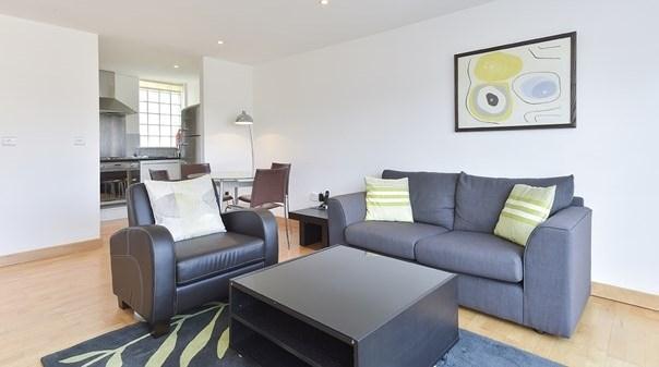 Liverpool Street Deluxe Apartments - Living Area