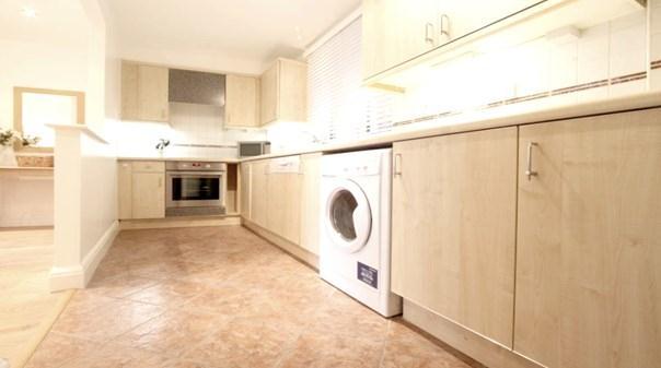 St Pauls Apartments - Kitchen