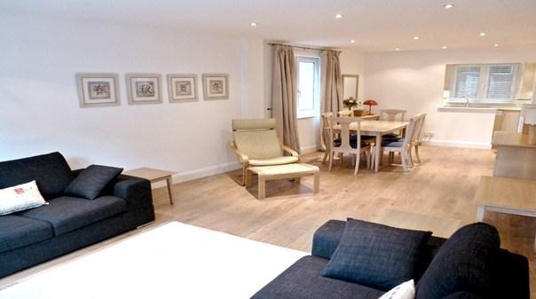 St Pauls Apartments - Living Area