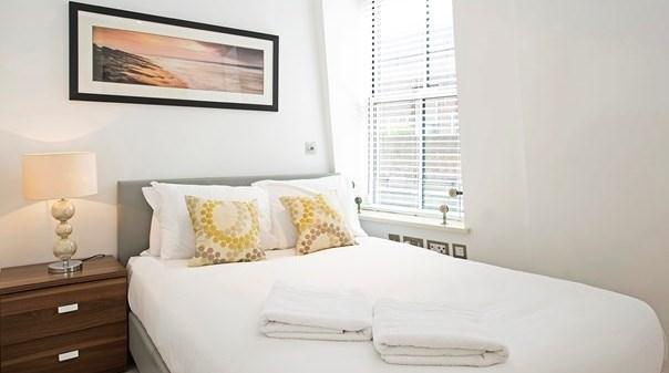 St Pauls Deluxe Apartments - Bedroom