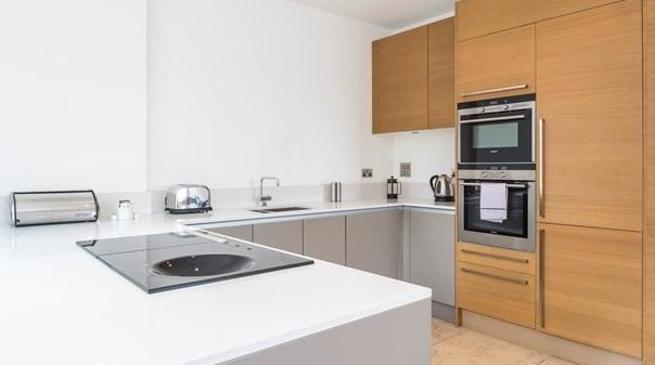 Tower Hill Apartments - Kitchen