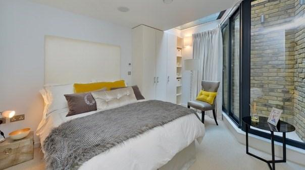 Trafalgar Square Apartments - Bedroom