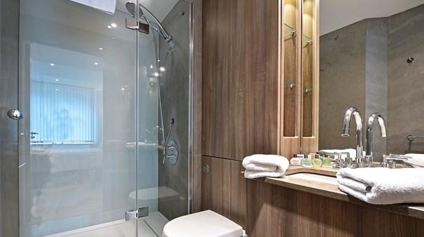 Vauxhall Apartments - Bathroom