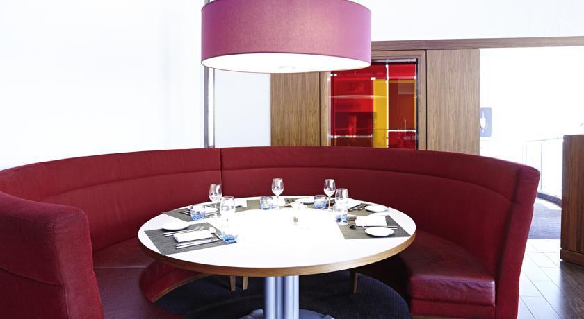 NovotelCoventryM6J3 Restaurant.jpg