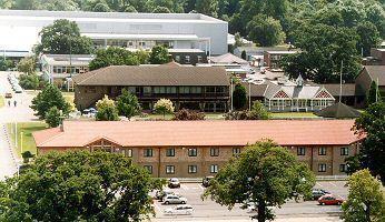 StoneleighPark Lodge hotel.jpg