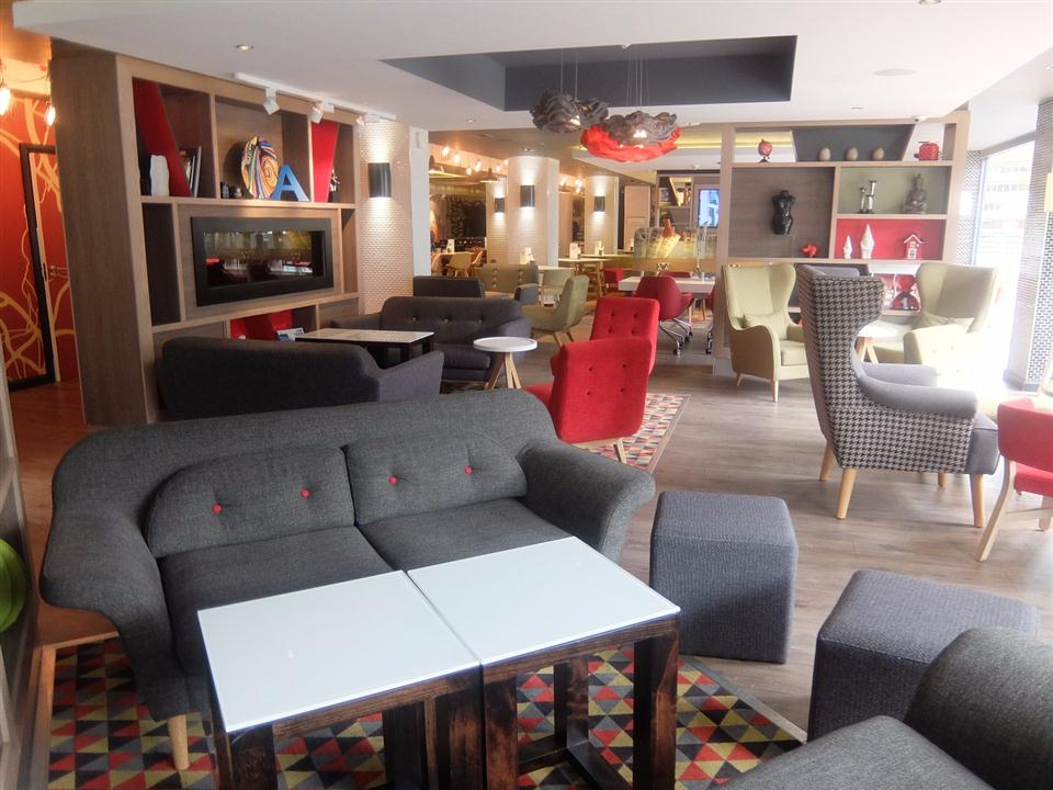 Watford Serviced Apartments - Communal Lounge