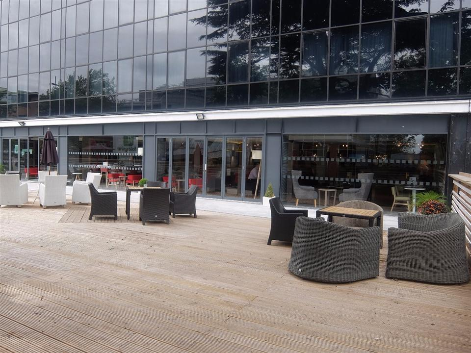 Watford Serviced Apartments - Terrace