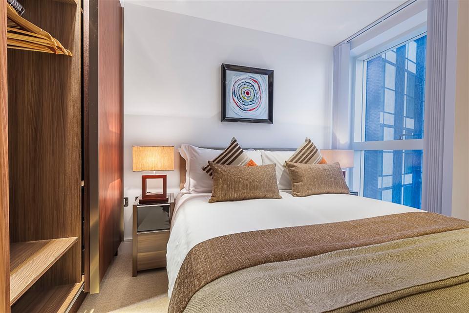Lincoln Plaza - Bedroom