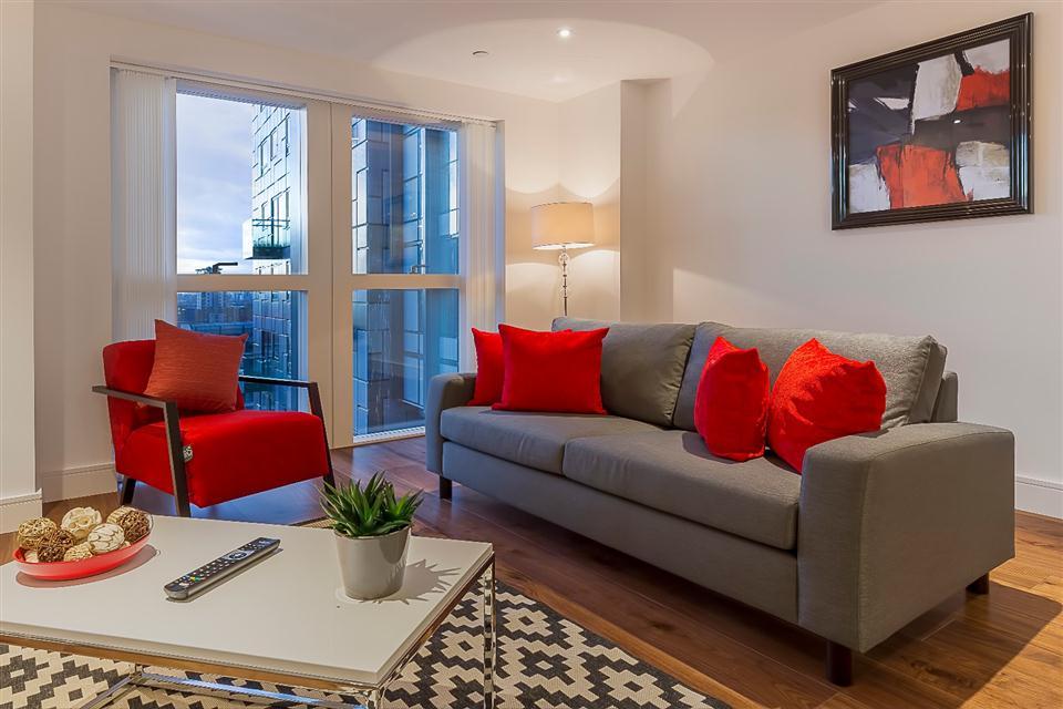 Lincoln Plaza - Living Area