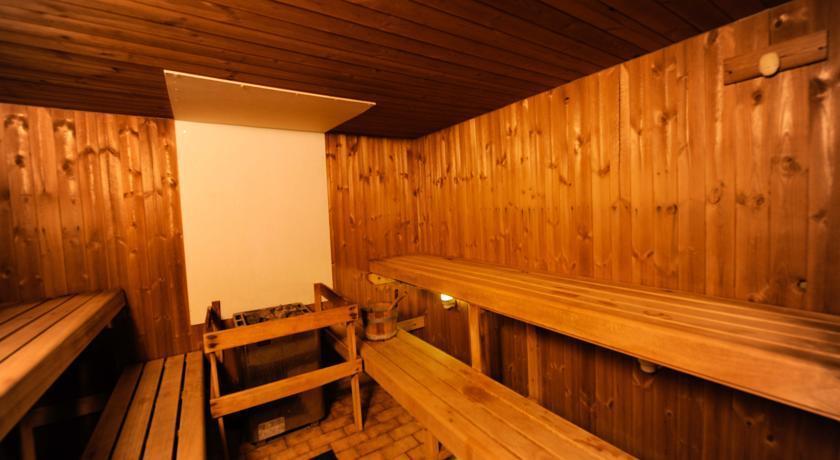 EdinburghCapitalHotel Sauna.jpg