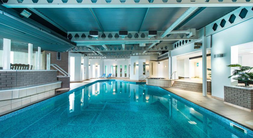 EdinburghCapitalHotel Pool.jpg